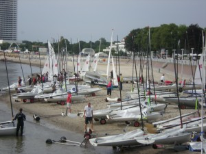 Buntes Treiben - auch am Strand